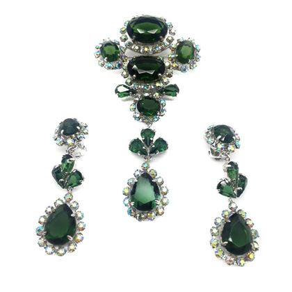 christian-dior-1958-vintage-green-tourmaline-paste-crystal-brooch-earrings-set