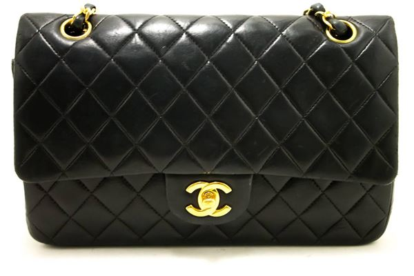 chanel-255-double-flap-medium-chain-black-quilted-shoulder-bag