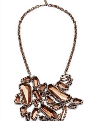statement-fall-2008-burberry-chunky-bronze-metalic-necklace-runway-look-36