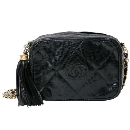 chanel-lizard-diamond-cc-mark-stitch-fringe-chain-bag-black-5