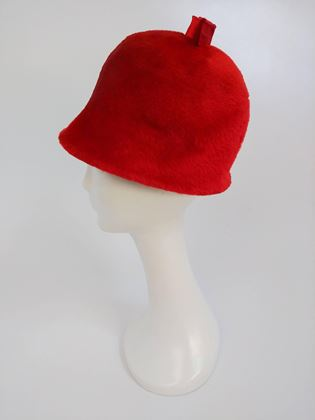 1960s-red-felt-mod-cloche-hat