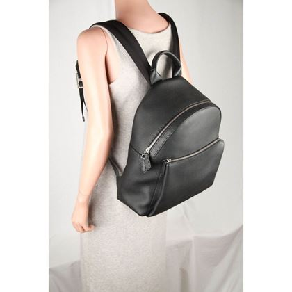 fendi-selleria-black-leather-backpack-with-crocodile-tail