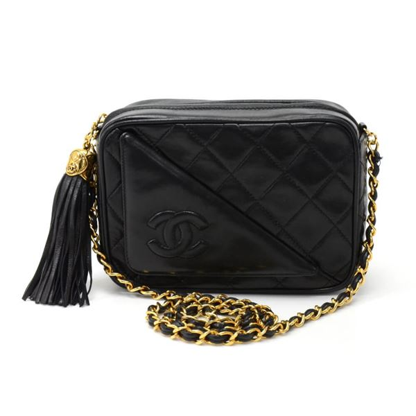 vintage-chanel-7-black-quilted-leather-tassel-pochette-shoulder-bag
