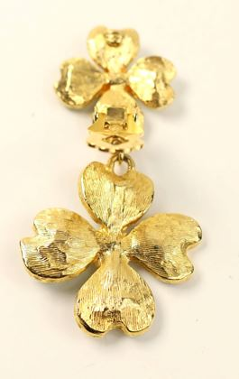 christian-lacroix-gold-toned-green-clovers-clip-on-earrings