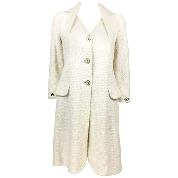 dior-by-galliano-white-boucle-coat-with-enamelled-padlock-buttons-2005