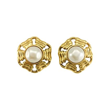 chanel-gold-plated-round-pearl-earrings-1980s