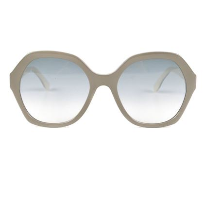 fendi-studed-sunglasses-grey-white-round-frame