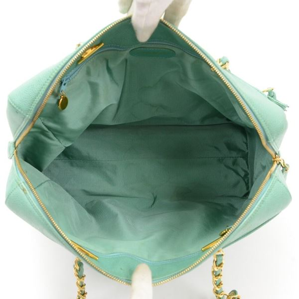 chanel-green-caviar-leather-large-shoulder-bag-2