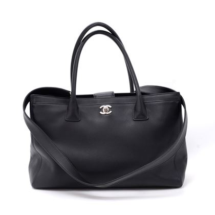 chanel-14-black-caviar-leather-2way-bag-pouch-2