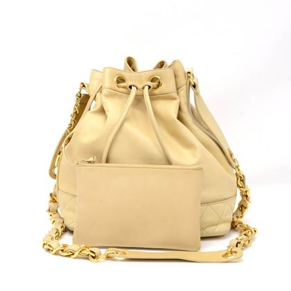 vintage-chanel-bucket-beige-leather-medium-shoulder-bag-2