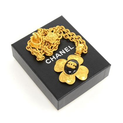 chanel-cc-gold-tone-flower-motif-pendant-necklace-2
