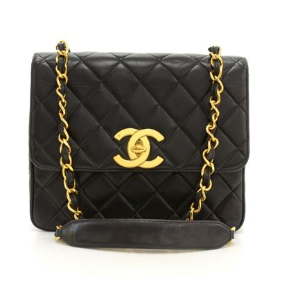 chanel-10-black-quilted-leather-shoulder-flap-bag-large-cc-logo-3