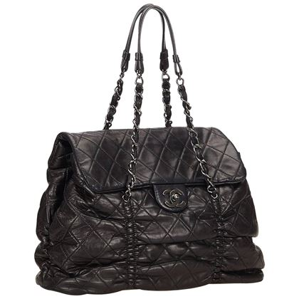 chanel-black-quilted-lambskin-leather-matelasse-tote-bag-2