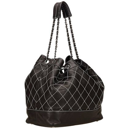 chanel-black-and-white-wild-stitch-drawstring-tote-bag-2