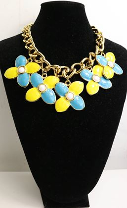 escada-yellow-and-light-blue-clovers-gemstones-gold-chain-necklace-2