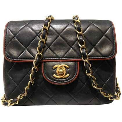 chanel-black-quilted-lambskin-with-burgundy-leather-piping-shoulder-bag-2