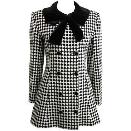 angelo-tarlazzi-double-breasted-black-and-white-harlequin-check-coat-with-bow-2