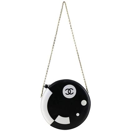 chanel-black-and-white-lambskin-round-shaped-shoulder-bag-2
