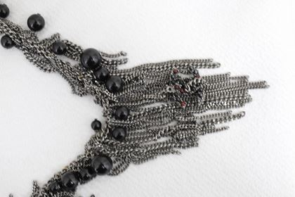 chanel-2010-long-necklace-in-stainless-steel-and-fake-black-pearls-2