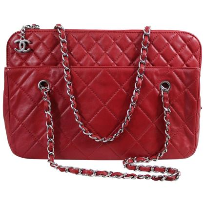 chanel-red-large-quilted-letaher-bag-3