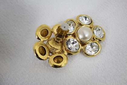 beautiful-chanel-gold-plated-earrings-2
