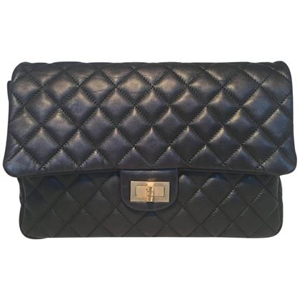 chanel-black-quilted-soft-lambskin-leather-classic-flap-clutch-3