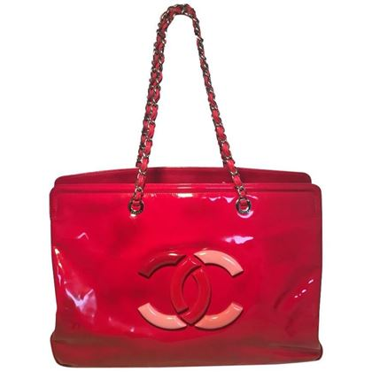 chanel-red-patent-leather-model-overnight-weekend-tote-3