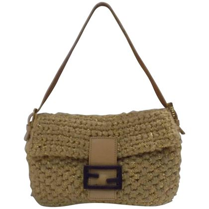 fendi-nude-wool-baguette-bag-3