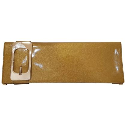 gucci-gold-tone-clutch