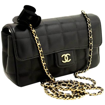 chanel-camellia-black-quilted-chocolate-bar-chain-shoulder-bag