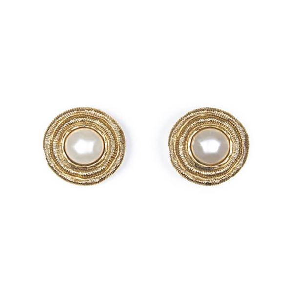 chanel-1980s-large-gold-gilt-pearl-earrings