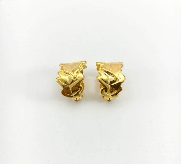 loulou-de-la-falaise-foliage-gold-plated-earrings-3