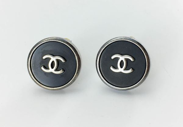 chanel-black-and-silver-logo-earrings-1996-2