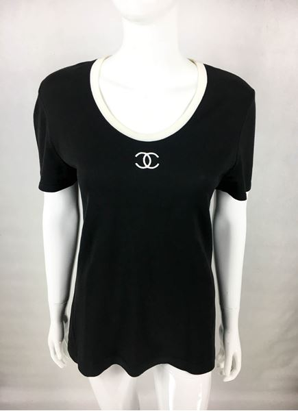 chanel-black-cotton-jersey-t-shirt-with-white-logo-1990s-2