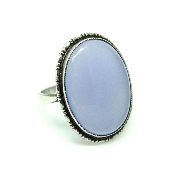 vintage-1920s-blue-chalcedony-sterling-silver-ring