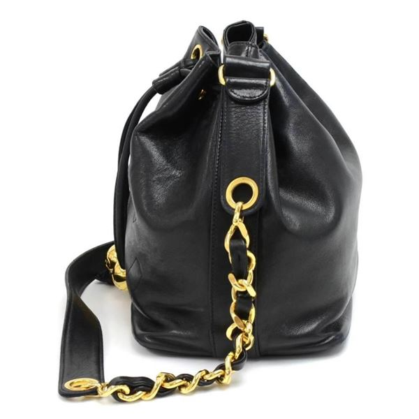 vintage-chanel-black-lambskin-drawstring-bucket-bag-pouch-2