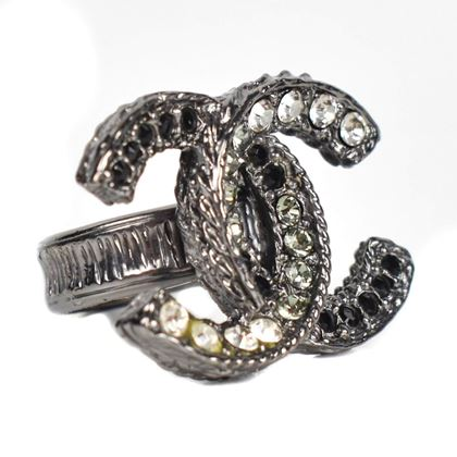 chanel-ring-large-rhinestone-crystal-embellished-silver-cc-logo-2