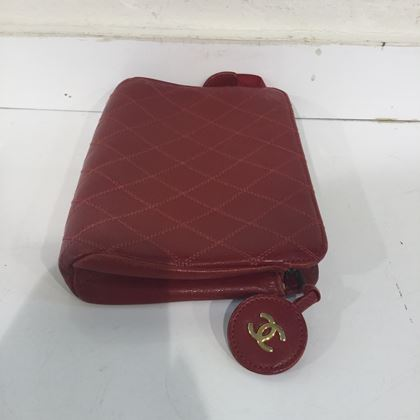 chanel-toiletry-bag-6
