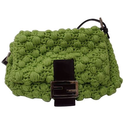 fendi-green-shoulder-baguetta-bag-4