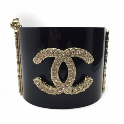 chanel-statement-cuff-bracelet-autumn-2013