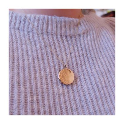 vintage-1970s-scalloped-9ct-yellow-gold-locket-necklace