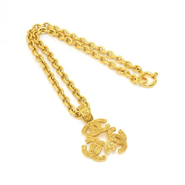vintage-chanel-gold-plated-triple-cc-chain-necklace-3