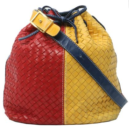 bottega-veneta-intrecciato-drawstring-shoulder-bag-redyellownavy