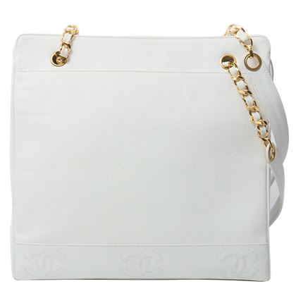 chanel-caviar-skin-8-cc-mark-stitch-tote-bag-white