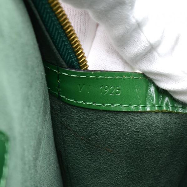 vintage-louis-vuitton-lussac-green-epi-leather-large-shoulder-bag-9
