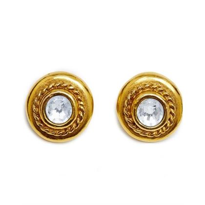 chanel-1970s-goldtone-earrings-with-large-rhinestone