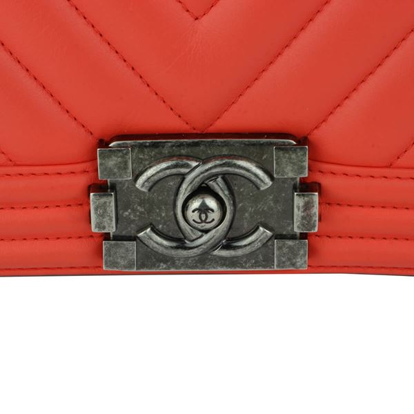 chanel-old-medium-boy-chevron-peachy-red-calfskin-ruthenium-hardware-2016