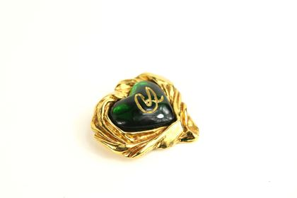 christian-lacroix-gold-toned-setting-green-gripoix-heart-shaped-brooch
