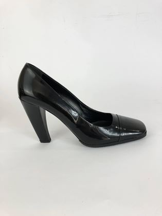 prada-black-patent-leather-classic-pumps-italian-squared-high-heels-shoes-1990s