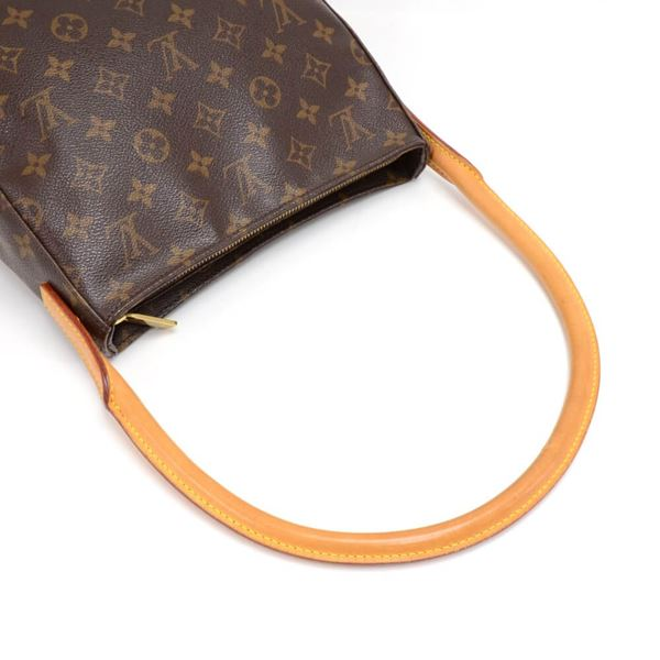 louis-vuitton-looping-mm-monogram-canvas-handbag-12